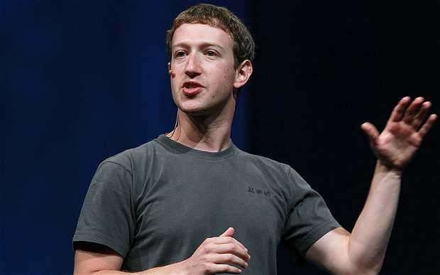 Mark-Zuckerberg-wears-the-same-shirt