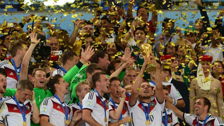 20151104194955-germany-winning-the-world-cup-2014-soccer-german-futbol