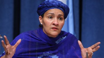 Ms. Amina J. Mohammed addresses the Press Briefing (Embargoed until 30 May, 3pm EDT) on the Report of the High-level Panel on the Post-2015 Development Agenda.  Speakers:    (L to R)       á Ms. Amina J. Mohammed, Special Adviser to the UN Secretary-General on Post-2015 Development Planning and ex officio member of the High-level Panel;  Betty Maina, Kenya; Patricia Espinosa, Mexico; Mr. John Podesta, High-level Panel member.