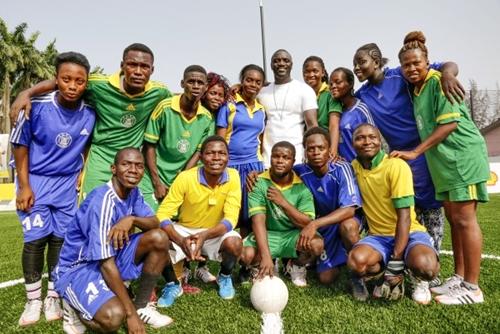 Akon-joined-Nigerian-student-football-teams-1 (1)