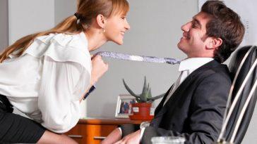 bigstock-businesswoman-is-seducing-her-33172382-618x411