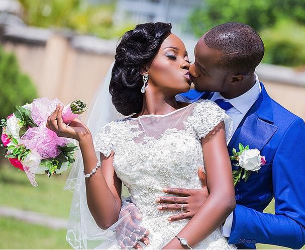"Osaseye Blog ❤_ Photo by @jidekola #NWcouple #NigerianWedding"""