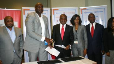 L-R-Deputy-MD-of-Wakanow-Ralph-Tamuno-MD-Wakanow-Obinna-Ekezie-Executive-Director-of-Zenith-Bank-Sola-Oladipo-with-other-staffer-of-Wakanow-600x400