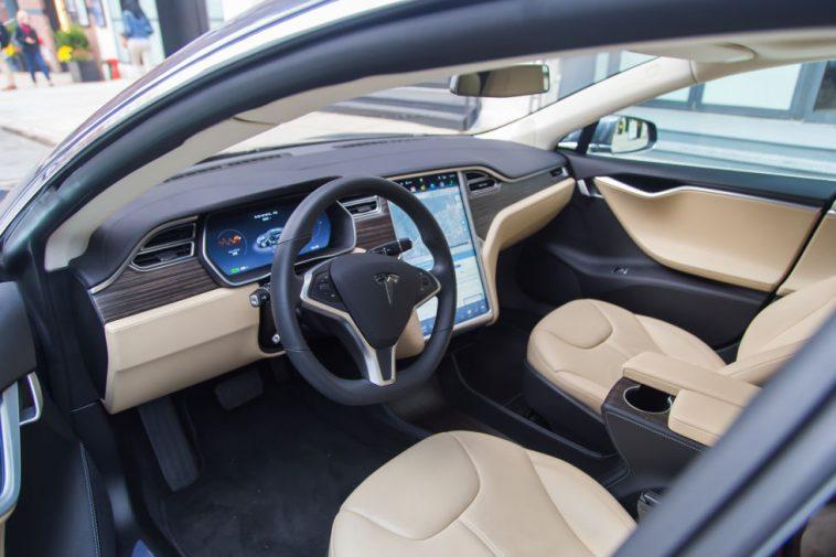 Tesla-22-980x653