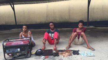 female-robbers1