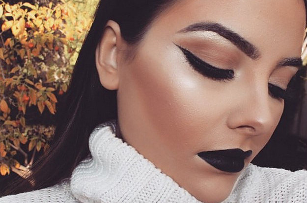 people-who-are-totally-rocking-black-lipstick-2-10095-1443650203-5_dblbig