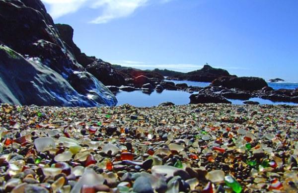 Glass-Beach-lead