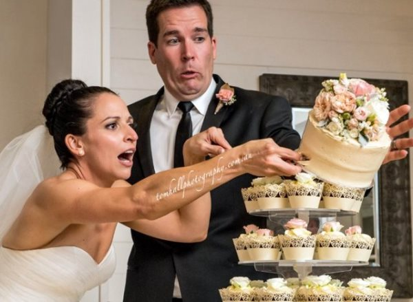 a-CAKE-CUTTING-DISASTER-640x468