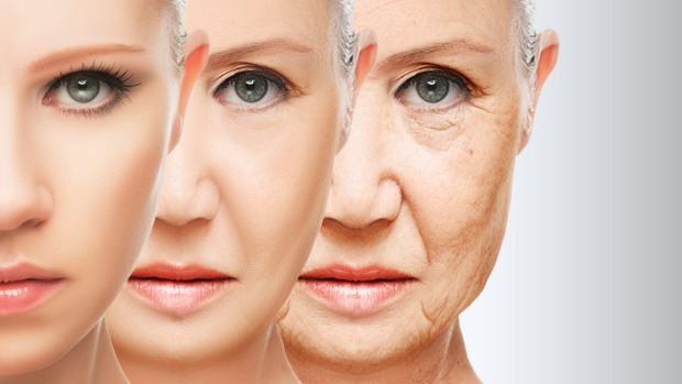 8 Natural Successful Ways to Look 15 Years Younger Than your Age