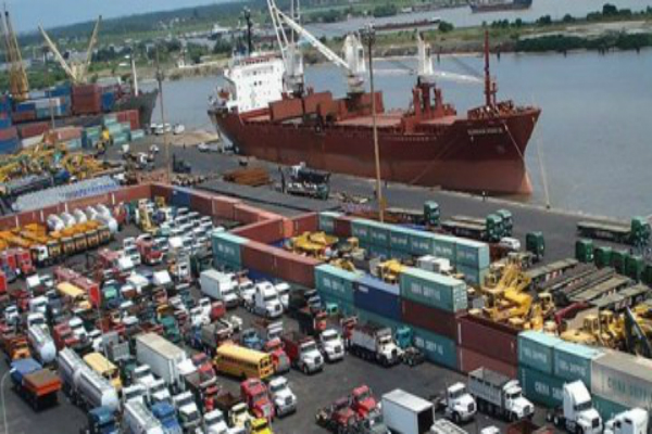 3000-Dock-Workers-Retrenched-As-20-Shipping-Companies-Shut-Operations Image source: www.hopefornigeriaonline.com