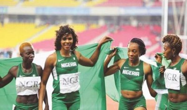Okagbare-and-female-team