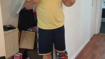MAN BUILDS LEGO LEG