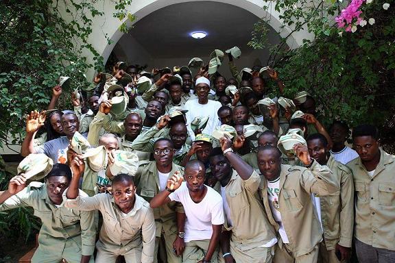 buhari-with-corps-members