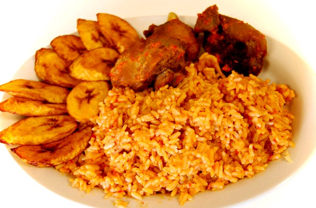 jollof-rice-with-fried-plantain