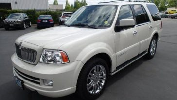 latest-lincoln-navigator-jeep