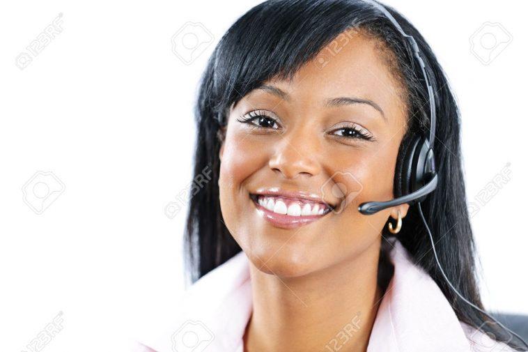 smiling-customer-care-rep