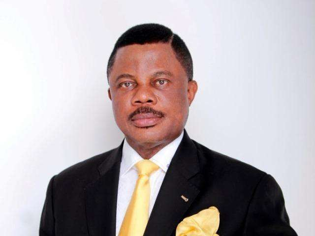 "Governor Obiano Boggie Down To Flavour's ""Baby Oku"""