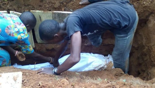 Woman shot dead by police man who was chasing a yahoo boy laid